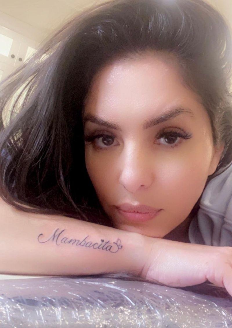 Vanessa Bryant se tatúa Mambacita