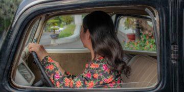 Luly Basile compró el carro de sus sueños, compartió su historia y recibió burlas en redes