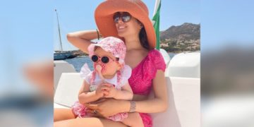 Sharon Fonseca bebé mar