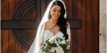 Novia llega a su boda en un carro de policía luego de ser auxiliada por ellos en plena carretera