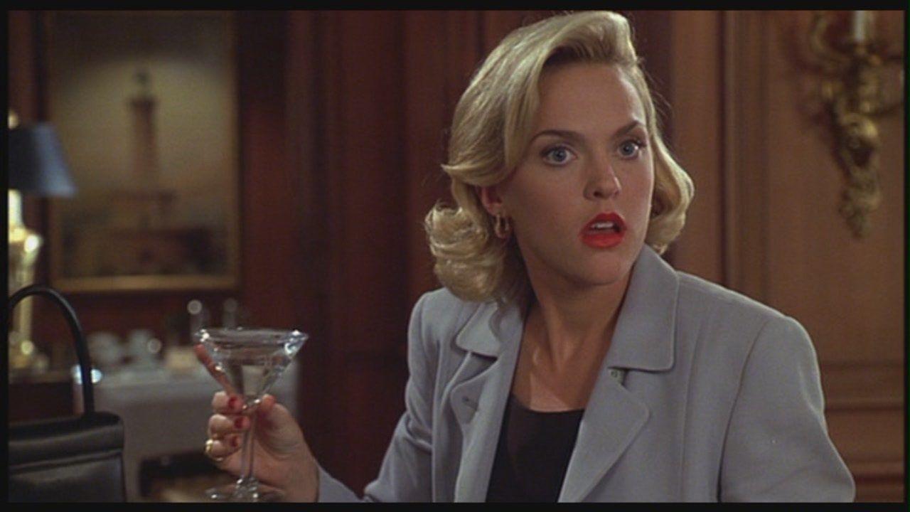 Así luce en la actualidad Elaine Hendrix, la actriz que hizo de 'Meredith' en 'Juego de Gemelas'
